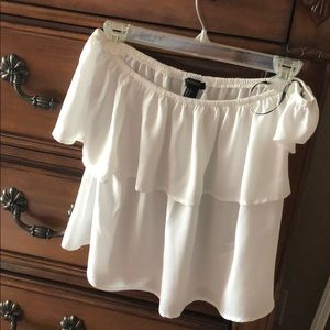 WHITE OFF THE SHOULDER FOREVER 21 TOP!